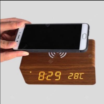 Vezetéknélküli telefontöltő és bluetooth hangszóró